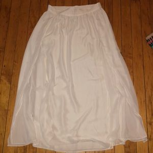 Dresses & Skirts - MNG white maxi skirt with 2 front slits